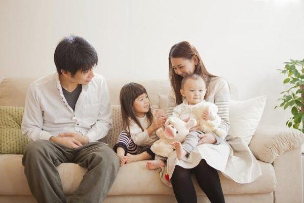 子供2人の温かい家庭