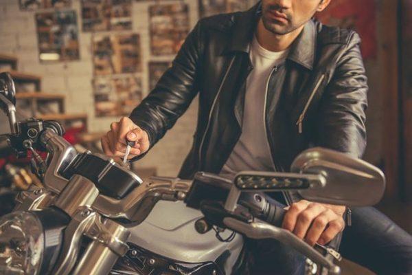 バイクが趣味の男性