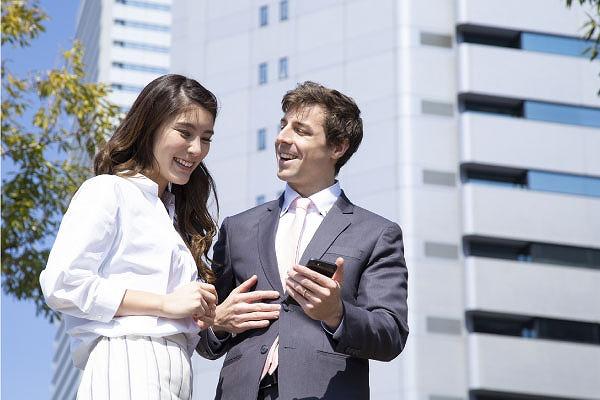 日本人女性と外国人男性